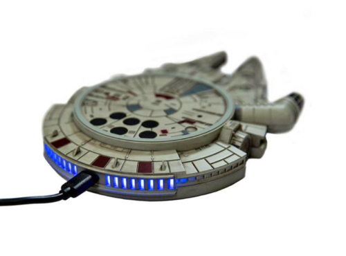 true-star-wars-fan-millenium-falcon-wireless-charger-1