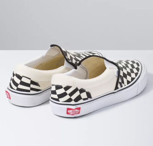 vans-classic-checkerboard-slip-on-mind-bending-twist-back-whole-view
