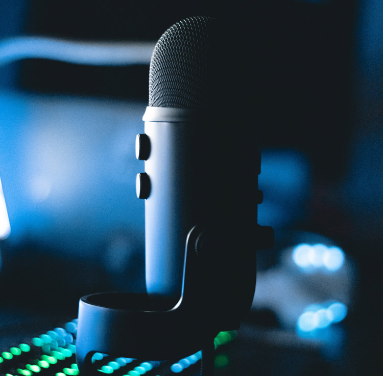 blue-yeti-professional-microphone-streaming-featured-image